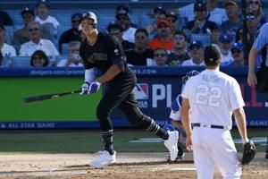 Yankees slug 3 HRs off Kershaw to beat Dodgers 5-1