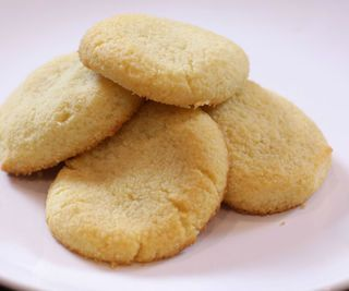 Low Carb and Sugar Free Shortbread Cookies