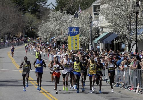 Thousands of runners ready for 122nd running of Boston Marathon