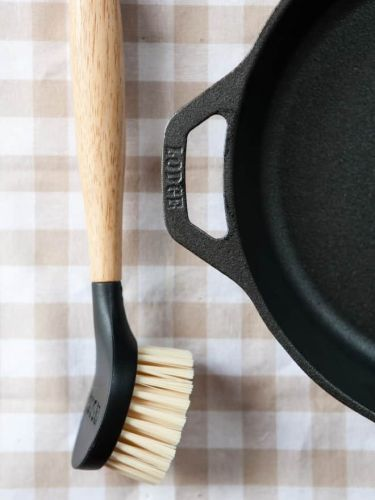 The Best Tools for Cleaning Cast Iron Cookware