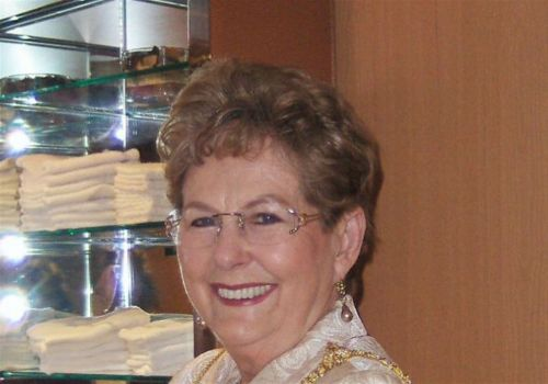 """Obituary: Martha Ann Neal / A """"classy"""" woman who traveled and painted the world"""