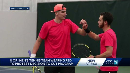 Hawkeyes protest tennis program being cut by refusing to wear team colors