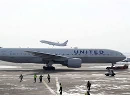 Boeing decides to ground its 777s after United Airlines flight catches fire