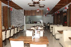 Kamat Restaurants opens its first outlet in Surat