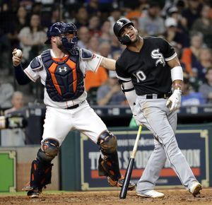 Altuve homers, Astros top White Sox 3-1 for 5th straight
