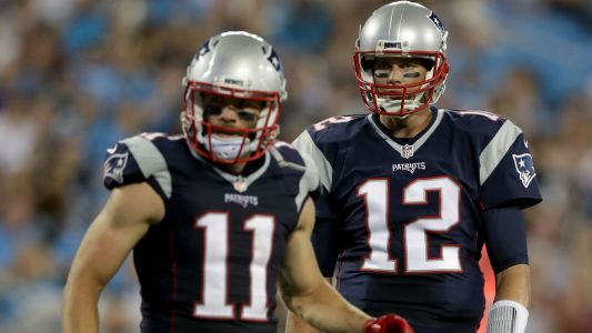 No Rob Gronkowski, no problem for Patriots' offense around Tom Brady