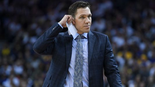 Lakers could 'possibly' make starting lineup change, coach Luke Walton says