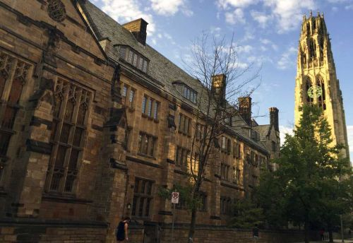 Feds say Yale illegally discriminating against Asian American, white applicants