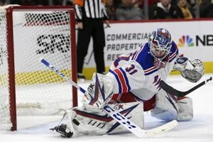 Rangers score 5 times in third period, top Blackhawks 6-3