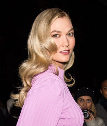 Karlie Kloss Dyed Her Hair Buttery Golden-Blonde, and She Looks Stunning