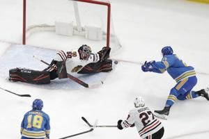 Faulk caps four-goal rally; Blues beat Blackhawks 4-3