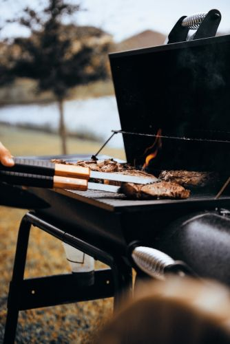 6 Grilling Tips to Memorize Before Memorial Day