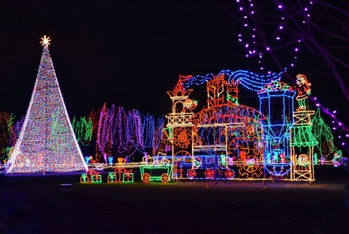 20 Christmas light displays across America you need to see