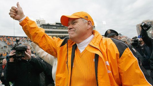Tennessee AD Philip Fulmer gets $325K per year raise after four months