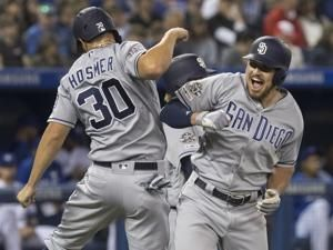 Padres hit team-record 7 HRs, rout Jays 19-4, win 5th in row