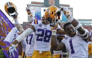 AP Top 25: LSU jumps to No. 6; Wisconsin tumbles from top 10