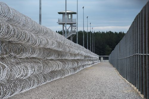 Authorities: 7 inmates dead, 17 injured in fights at South Carolina prison