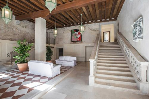 Live Like Venetian Nobility in This Airbnb Palazzo ApartmentAn