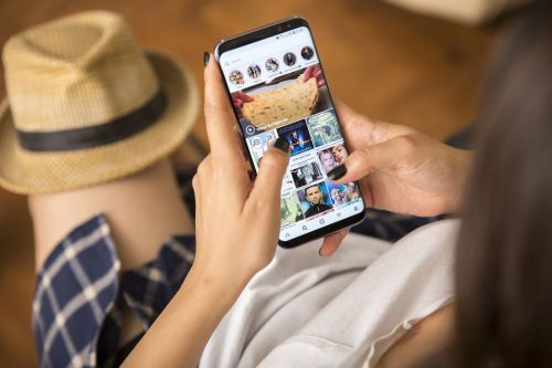 How to share your Instagram Story or your friends' stories using the Instagram app