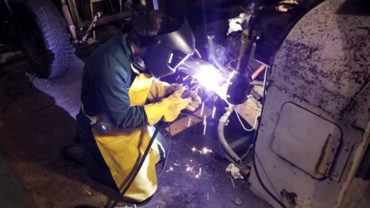 How I Rebuilt My $500 Postal Jeep's Rusted-Out Frame With a $100 Welder