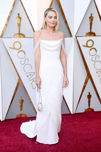 Margot Robbie Is A Vision InChanel Haute CoutureSee Every Red