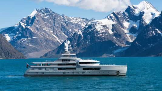 Exploring Antarctica on the Cloudbreak Superyacht