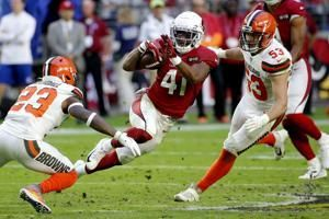 Drake scores 4 TDs, Cardinals roll past Browns 38-24