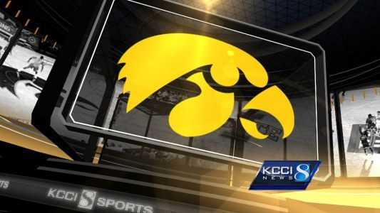 Iowa Hawkeyes shutout Illinois 63-0