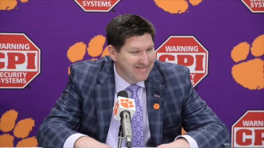 Clemson's men's head basketball coach agrees to new contract