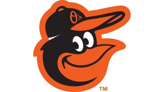 O's end losing streak, score 10 runs