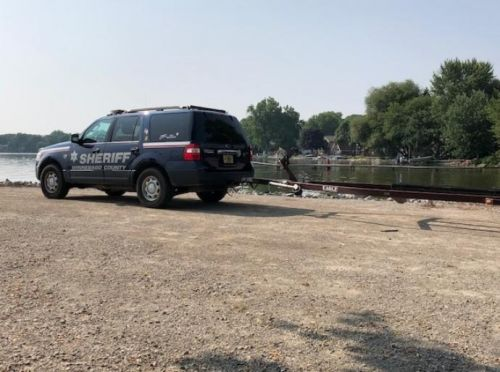 Two women missing after Lake Winnebago boat crash