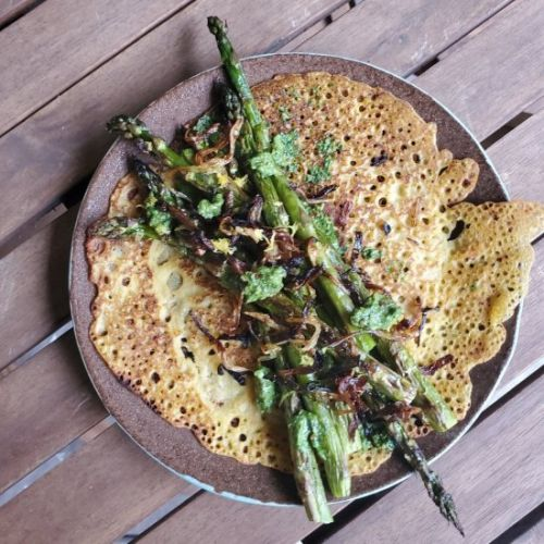 Broiled Asparagus Chickpea Crepe