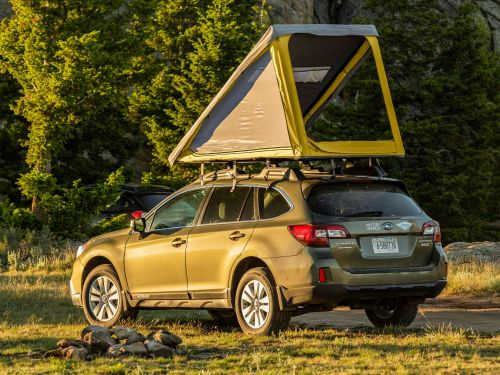 Go Fast Campers unveiled a 'minimalist' lightweight rooftop tent that turns a car into a camper in 3 minutes