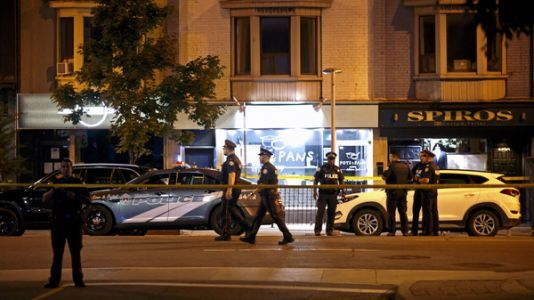 Toronto Police: 1 Woman Is Dead, As Is Gunman, In Restaurant Shooting