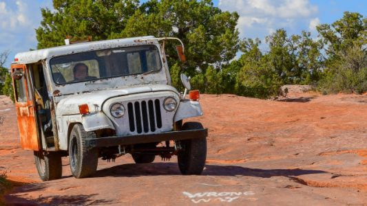 My $500 Postal Jeep Triumphantly Arrives in Moab After a Grueling 1,800-Mile Journey