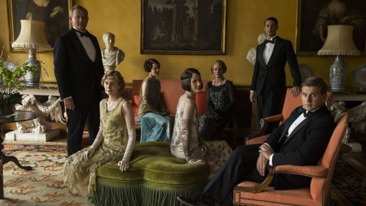 The Most Iconic Costumes From 6 Seasons of 'Downton Abbey' Are on Exhibit