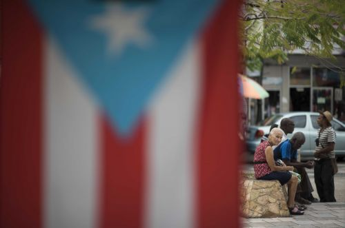 Puerto Rico goes to court against debt-restructuring deal