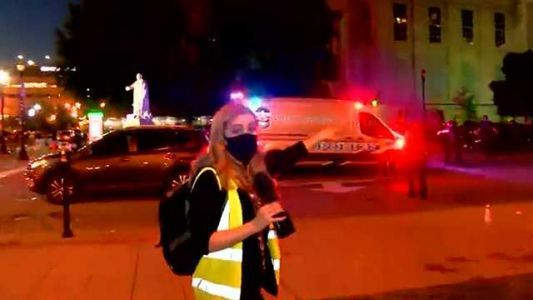 VIDEO: Police spray 'pepper bullets' at TV crew covering protest in Louisville, Kentucky