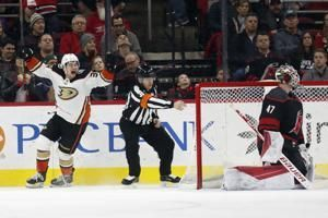 Sam Steel's OT goal lifts Ducks over Hurricanes 2-1