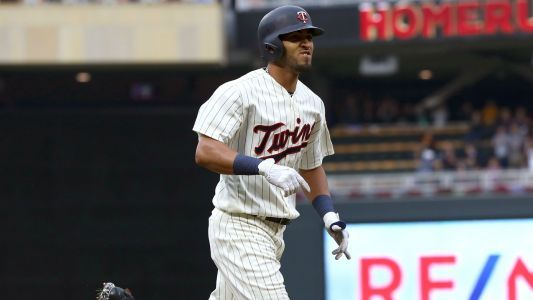 Eddie Rosario injury update: Twins outfielder limps off field after trying to leg out double
