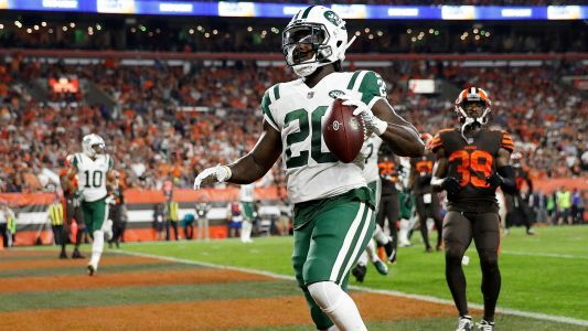 WATCH: Jets RB Isaiah Crowell appears to use football as toilet paper to celebrate TD