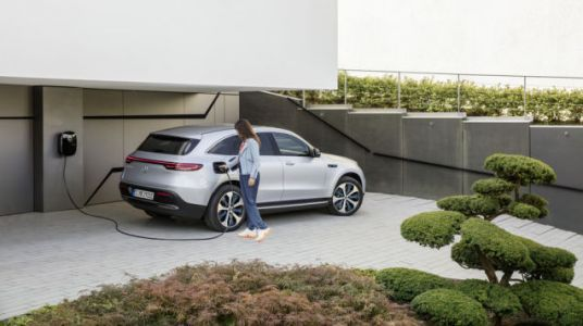 Mercedes Delays US Sales Of Its First Electric Vehicle Until 2021
