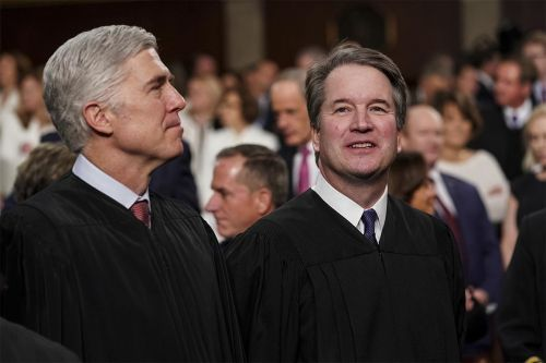 2020 Dems warm to expanding Supreme Court