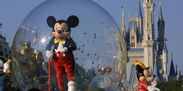 Disney World union accuses Disney of taking hostage $1,000 bonuses from the Trump tax cut