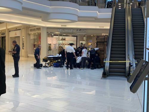 'Truly a miracle:' Child thrown from third floor of Mall of America has no brain damage, pastor says