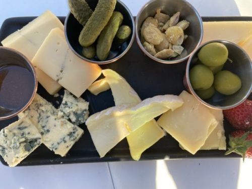 Murray's Cheese Bar Provides Comfort in LIC