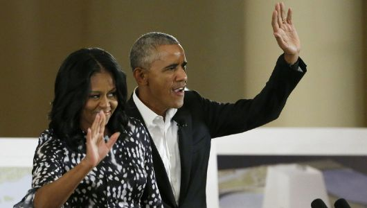 Obamas urge customers to sign up for Obamacare in final days of open enrollment