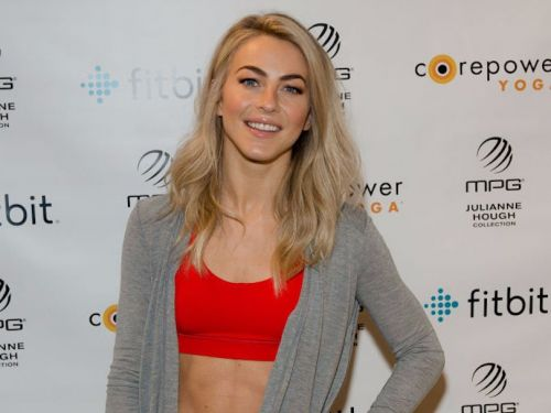 Julianne Hough dyed her blonde hair a fiery shade of red, and now she looks like a different person