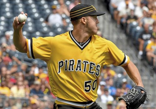 To improve pitchers' fielding, the Pirates are breaking out tennis racquet