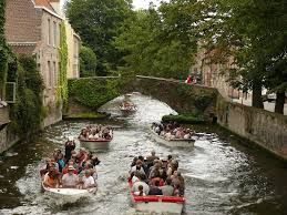 Bruges considers bringing restrictions on tourist footfall and cruise ship passengers